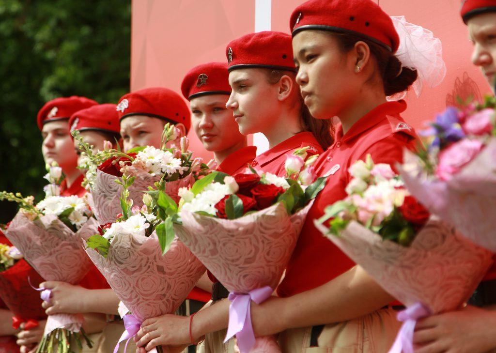 Активисты Молпалаты Мещанского района помогли в организации концерта ко Дню Победы. Фото: Наталия Нечаева, «Вечерняя Москва»
