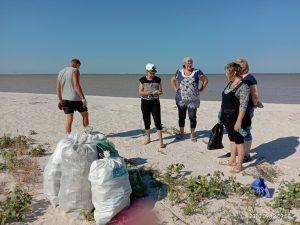 Волонтеры собирают мусор в Краснодарском крае. Фото: из личного архива