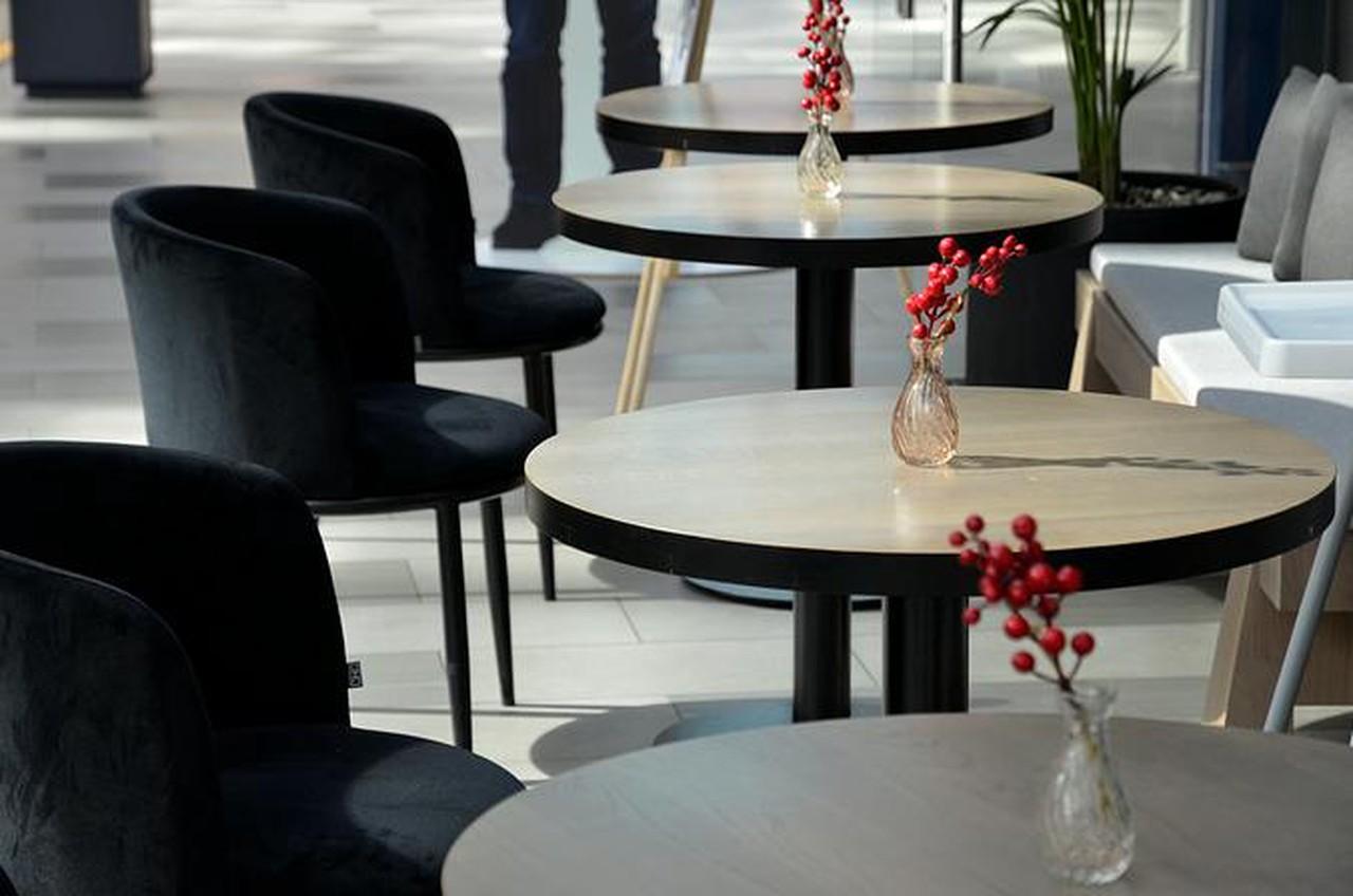 Кафе Gucci в центре Москвы могут закрыть на 90 суток за нарушение антиковидных мер. Фото: Анна Быкова