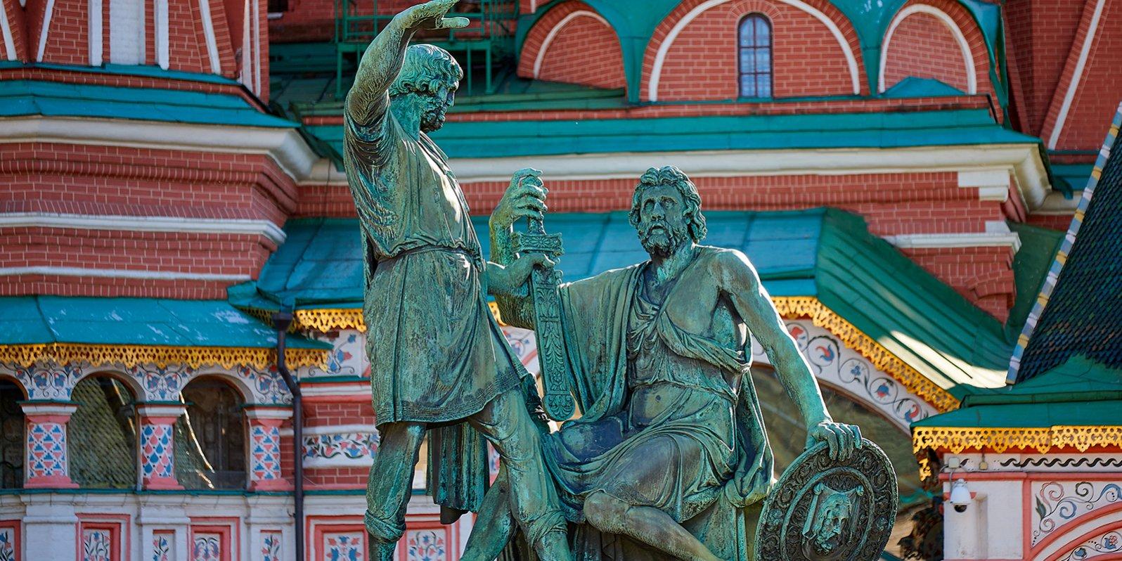 Капитель и полуколонна: уникальные артефакты обнаружили при реставрации памятника на Красной площади. Фото: сайт мэра Москвы