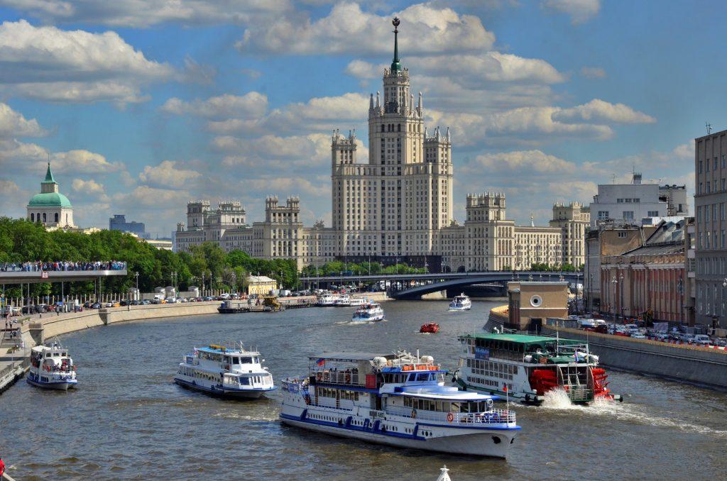 В 2020 году четверть российского экспорта микросхем и плат пришлась на Москву