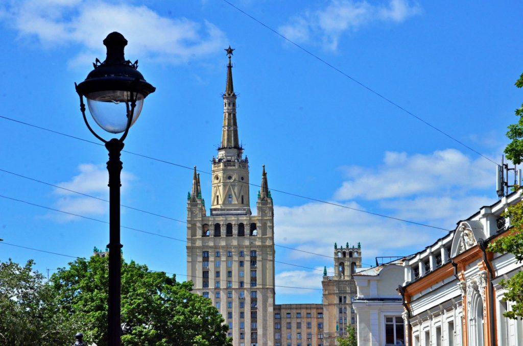 Новые элементы уличного освещения установят в центре Москвы