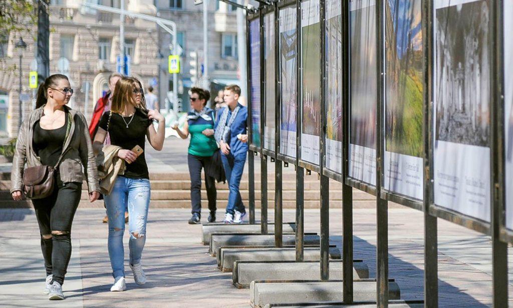 Столичный сервис RUSSPASS открыл фотовыставку ко Дню России на Цветном бульваре