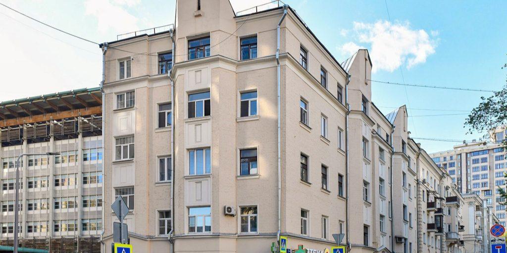 Сталинскую пятиэтажку на Арбате капитально отремонтируют