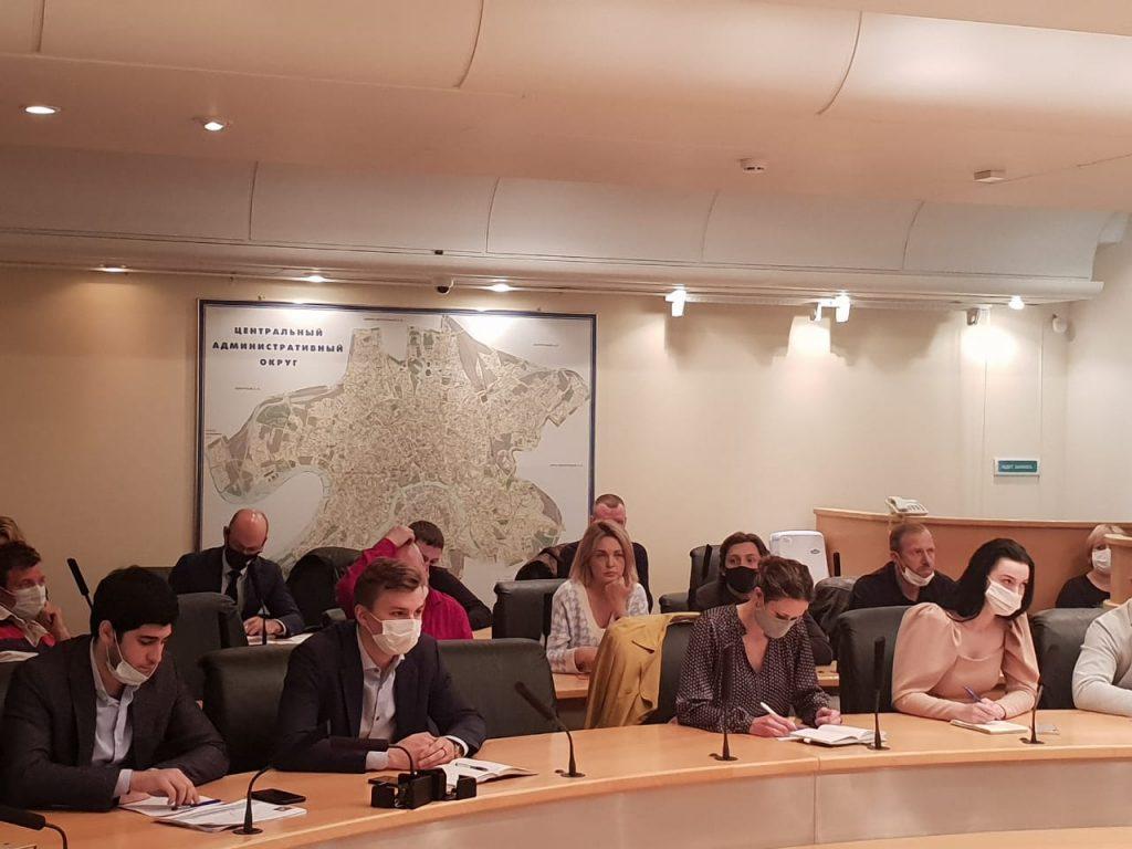 Добросовестность работы предпринимателей на Патриках, Горке и Набережных обсудили в Префектуре ЦАО