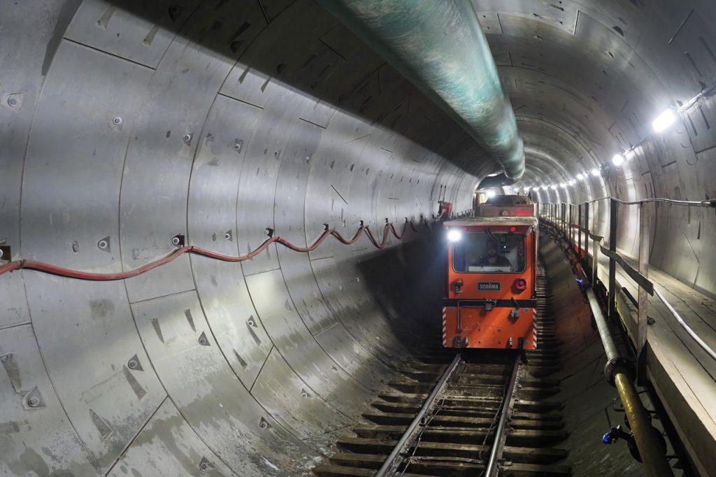 Около 24 станций метро откроют в Москве за два года