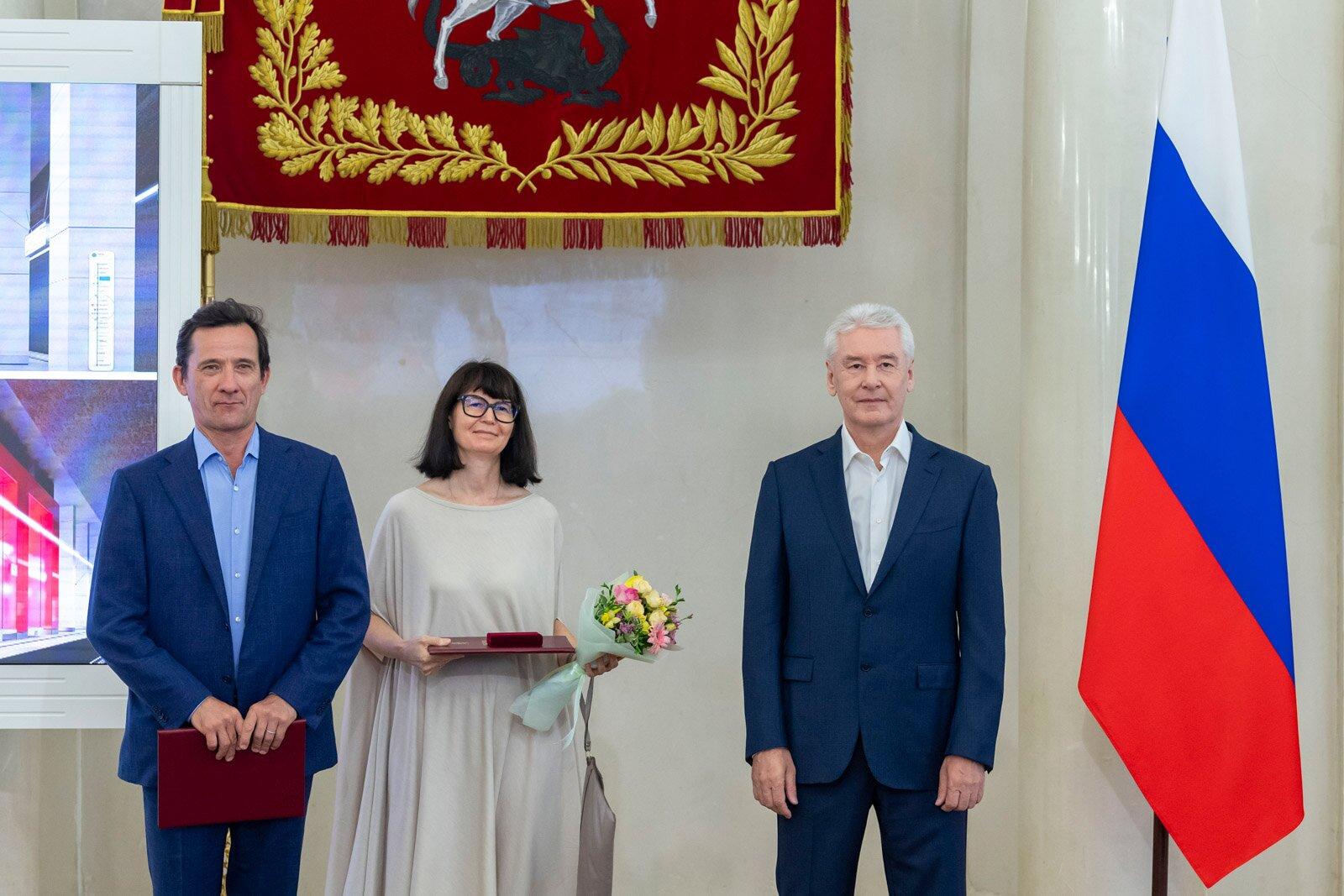 и архитектору Вере Иордановой. Фото: Владимир Новиков, пресс-служба мэра и Правительства Москвы