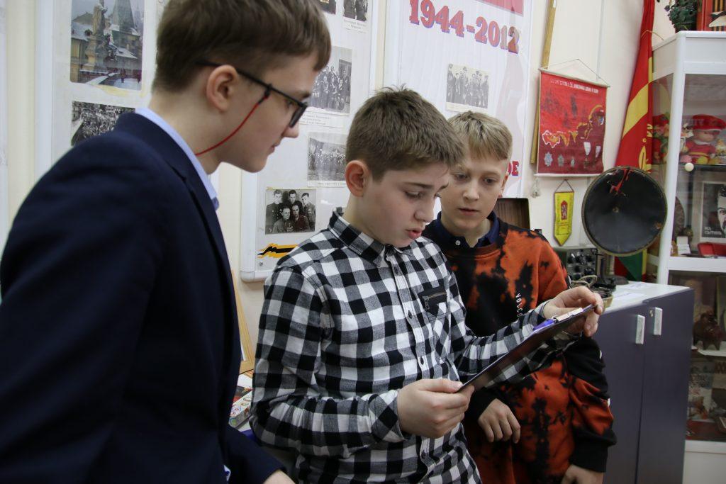 Школьные архивы восстановили по страницам