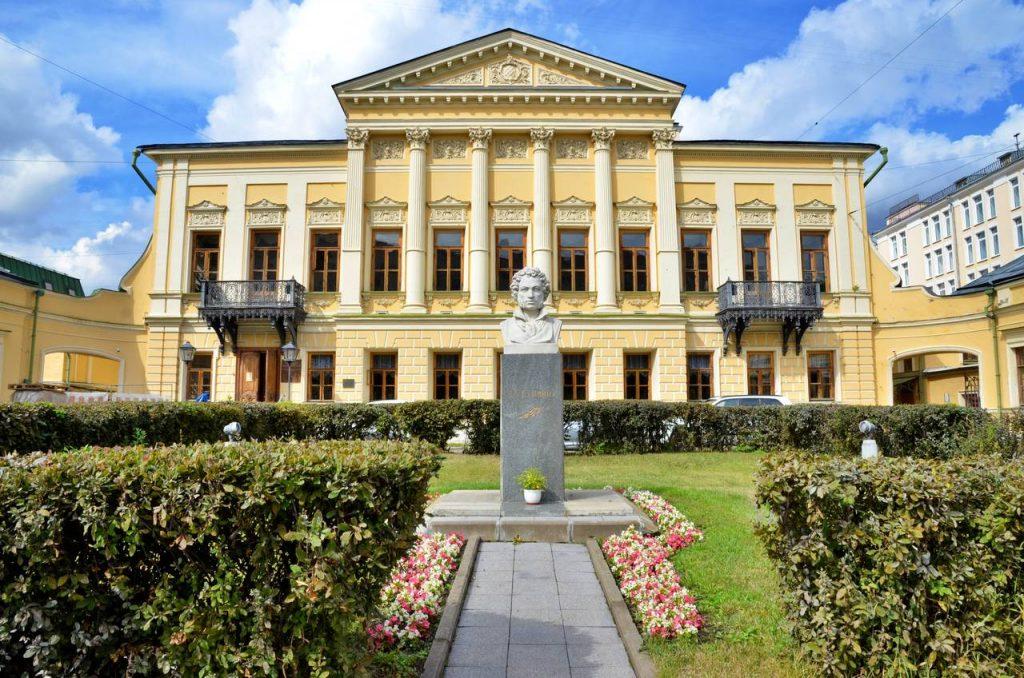 Пушкин или Ганнибал: экскурсию-исследование организовали в библиотеке Басманного района