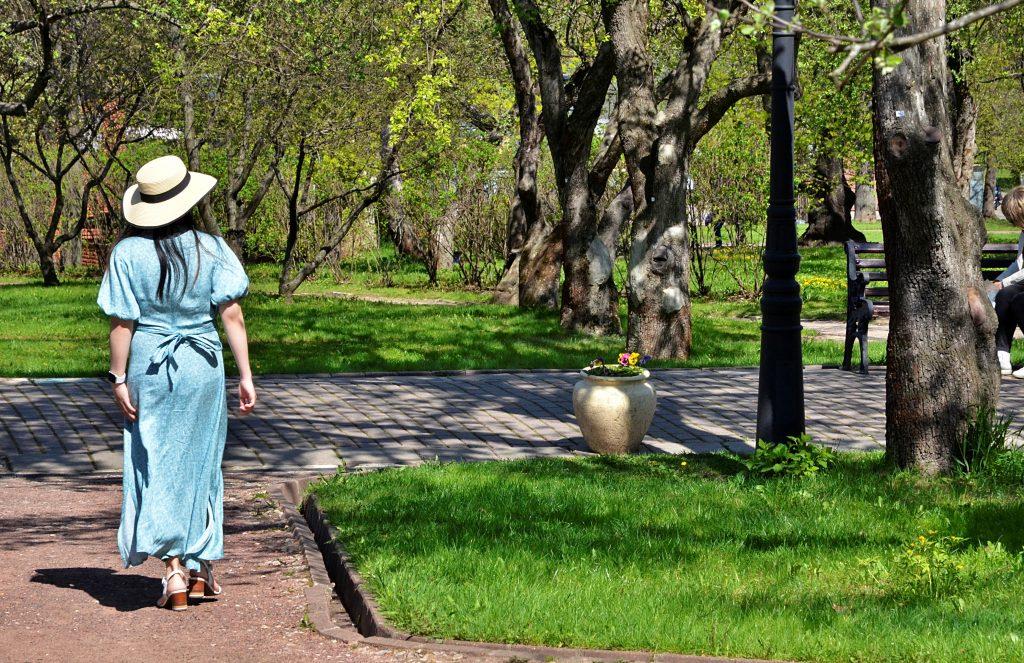 Москвичей предупредили о переменной облачности и потеплении
