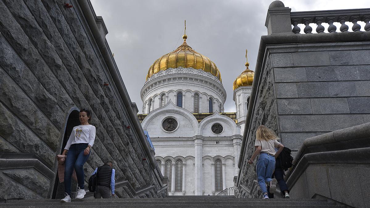 Исторический крестный ход с мощами Александра Невского завершился в храме Христа Спасителя. Фото: Пелагия Замятина, «Вечерняя Москва»