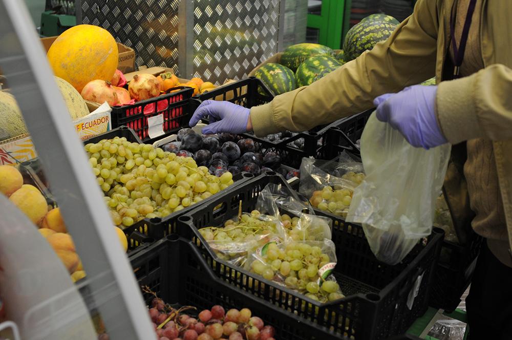 Молодые парламентарии Пресненского района доставили продукты и лекарства людям старшего возраста