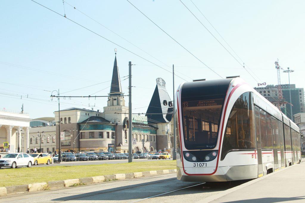 Движение транспорта в районе станции метро «Комсомольская» ограничат