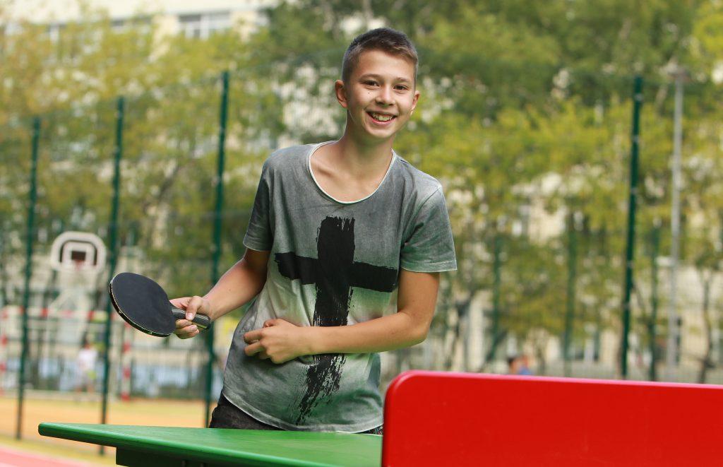 Сотрудники парков центрального округа пригласили жителей поиграть в теннис