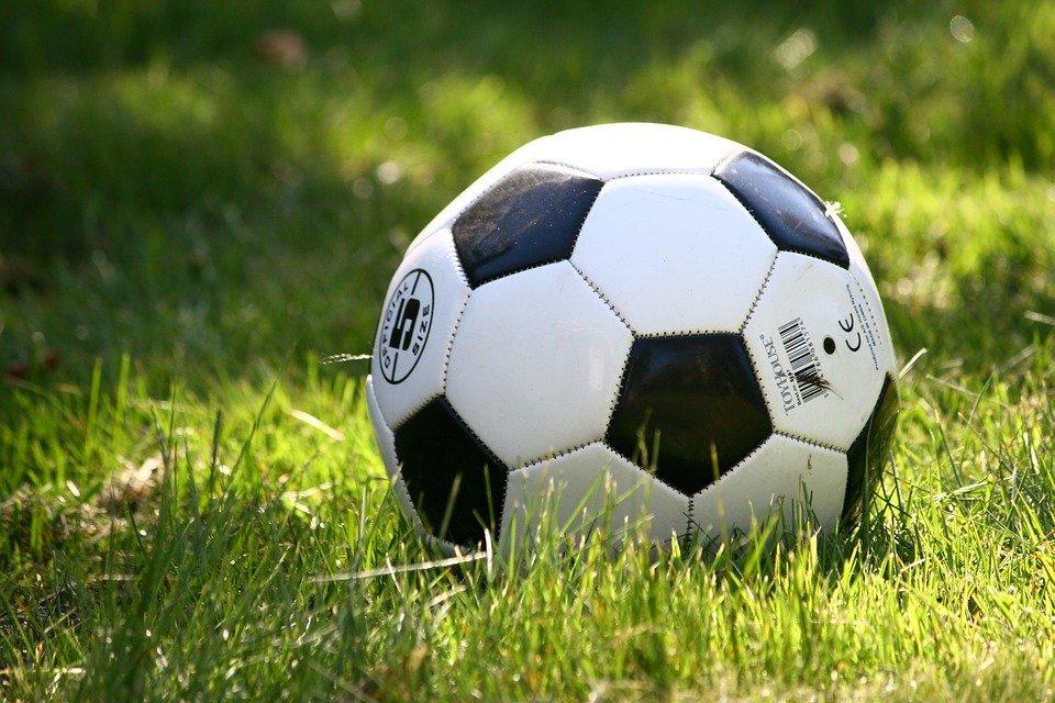 Женский футбол: соревнования организуют представители центра «Орион»