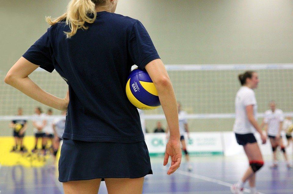 Женская волейбольная команда Плехановского университета объявила о начале просмотра в сборную
