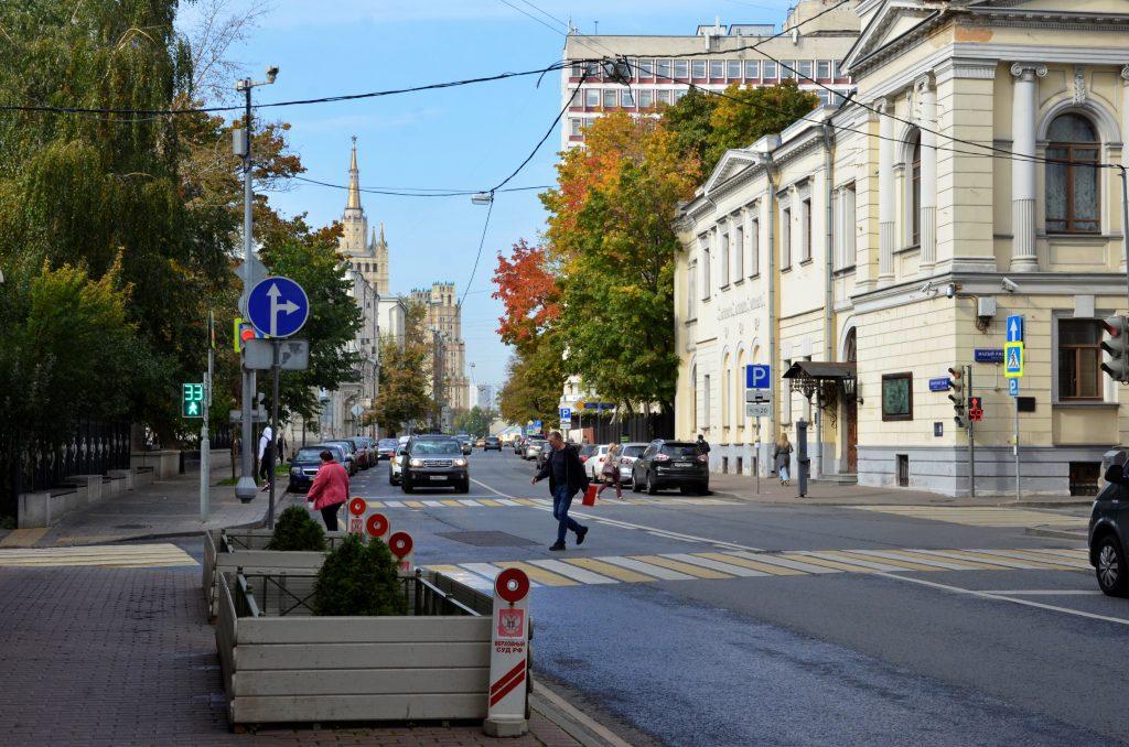 Москвичам пообещали прохладную погоду на выходные