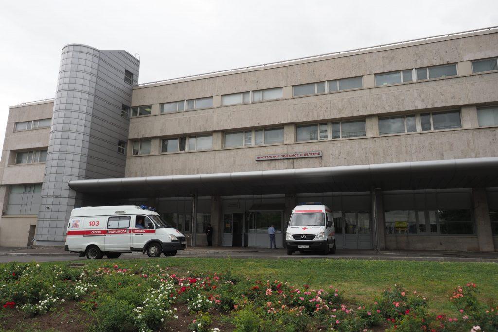 Строительство здания скоропомощного стационарного комплекса с вертолетной площадкой закончилось в центре Москвы