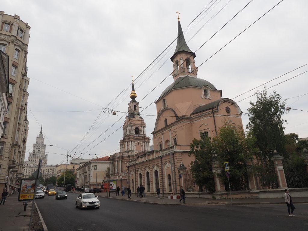 Жителям столицы рассказали о ходе реставрации церкви Апостолов Петра и Павла