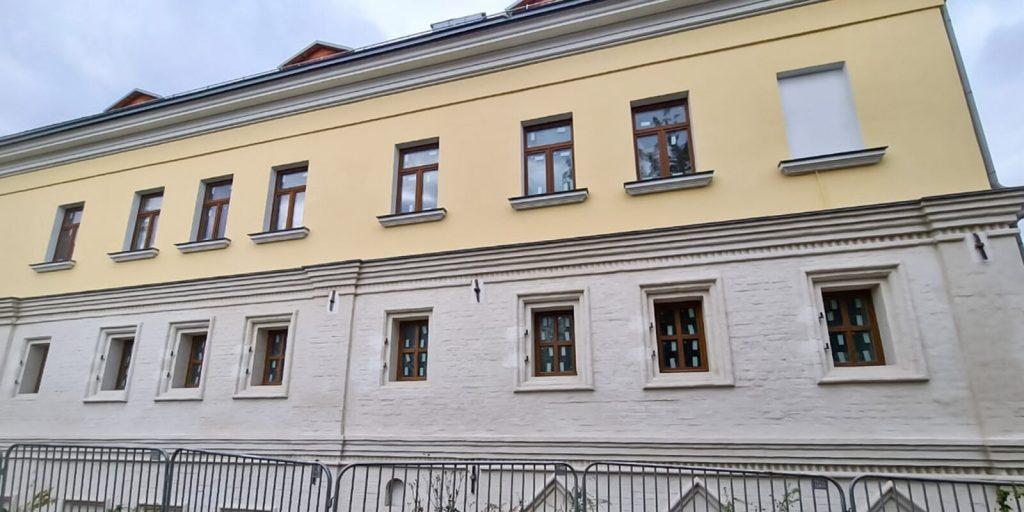 Фасады палат Киреевского отреставрировали