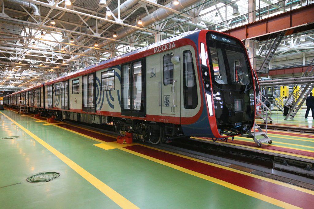 Поезда нового поколения запустят по Большой кольцевой линии